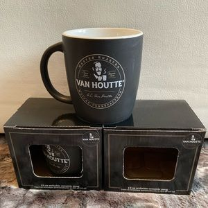 NWT VanHoutte set of 2 ceramic writable mugs 12oz